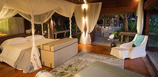 george-clooney-resort-bedroom