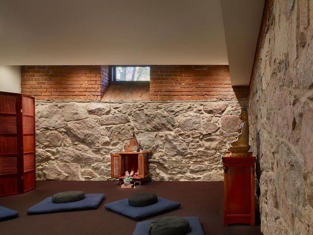 buddhist-meditation-room-design