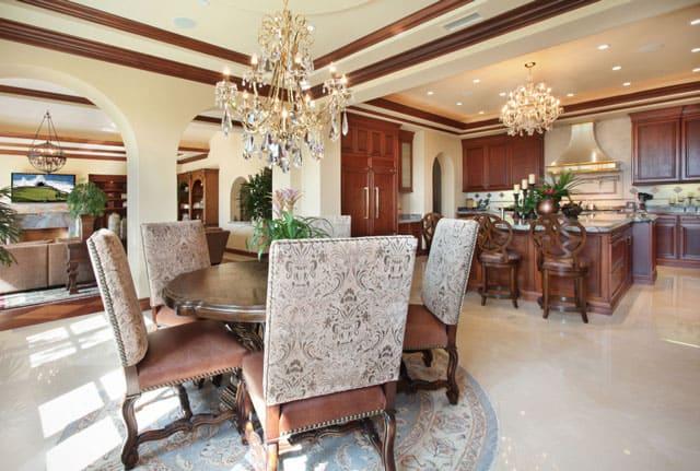 transitional-dining-kitchen-design