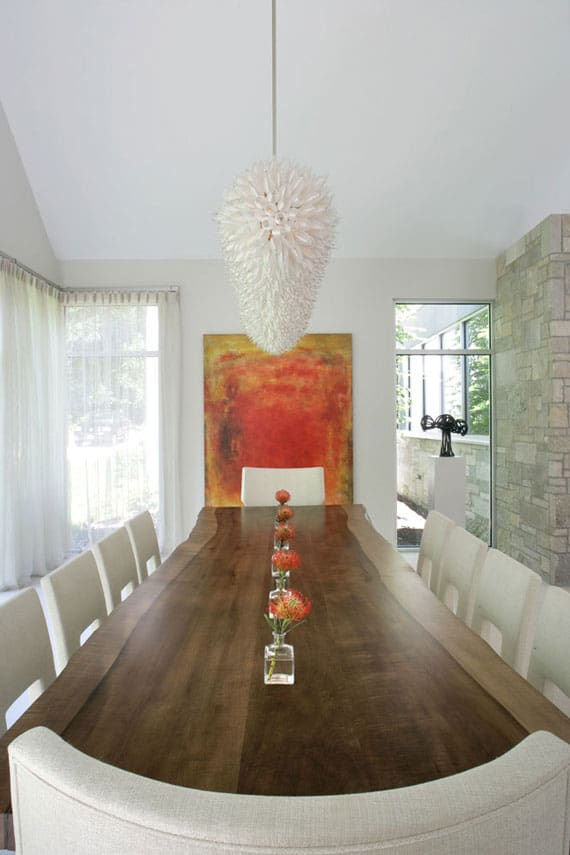 art-in-dining-area