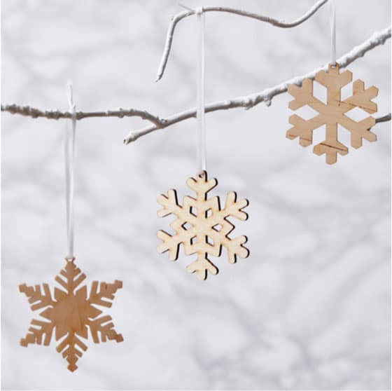 snowflakes-decor-on-christmas
