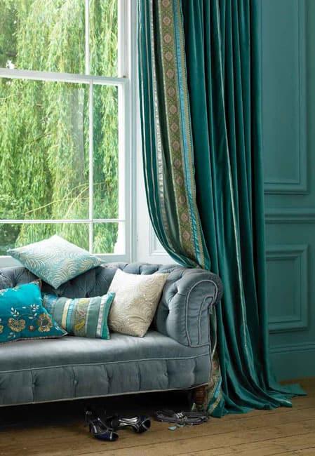 blue-velvet-curtain