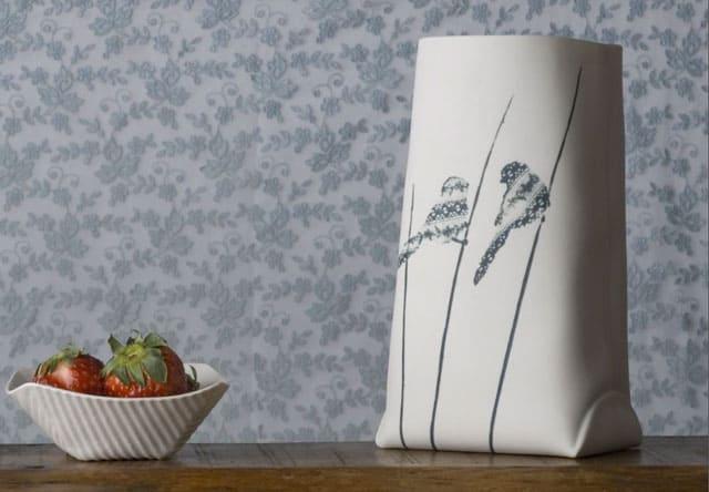 porcelian-bag-as-vase