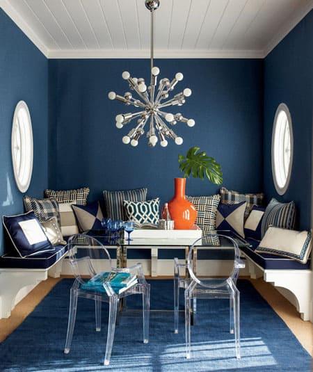 blue-pattern-pillows