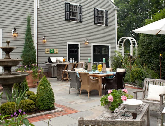 entertaining-exterior-home-design
