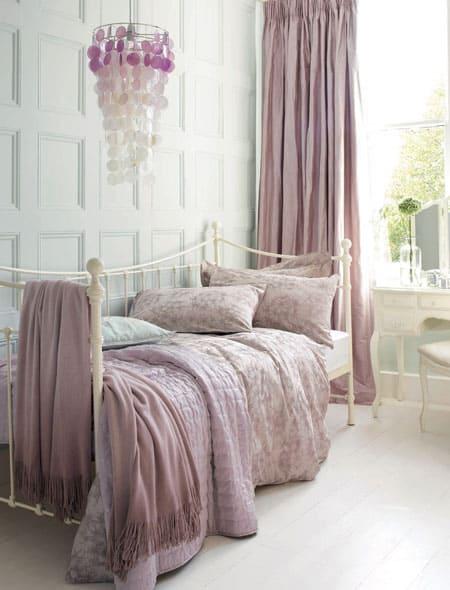 lavender-in-bedroom