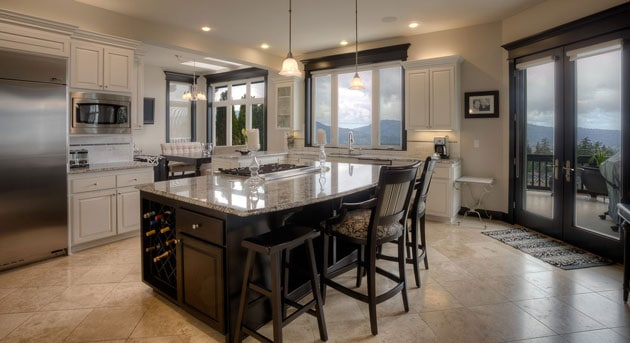 Issaquah Kitchen Area Design