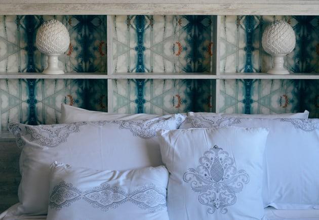 Bed Pillows Headboard Wallpaper Design