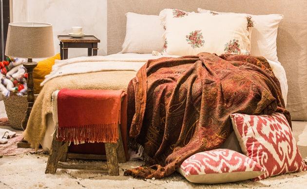 Ravishing Reds Bedroom Ambiance