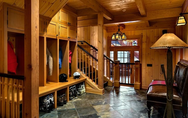 Ski Country Entryway Closet Design