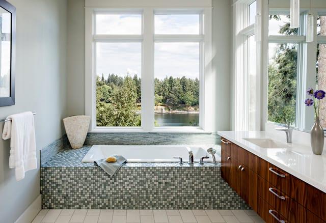 Jenni Leasia Design Modern Bathroom