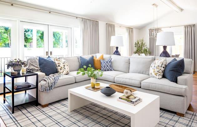 Peltire Interiors Classic Living Room Design